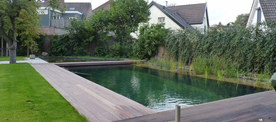 zwemvijver Waalwijk achtertuin